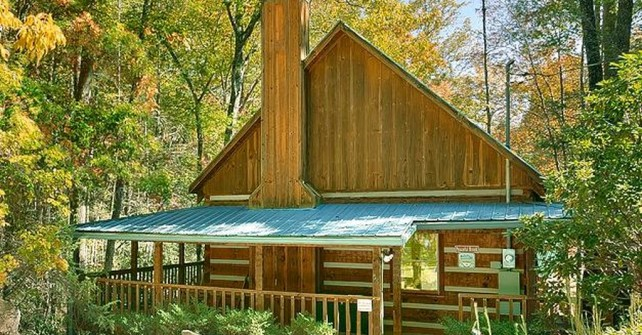 Peaceful Brook Cabin near RV Pigeon Forge Campground